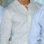 Latino guapo nos muestra sus encantos