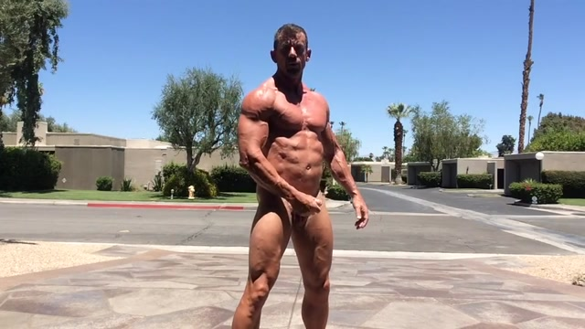 Un negro musculoso para una paja loca - Pornes