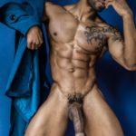 Modelo mulato pollón la belleza del hombre desnudo