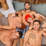 Sexo orgía caliente entre chicos guapos